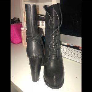 Chunk heel bootie (8) lightly used